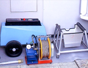 コンパクトな洗浄機器の一部